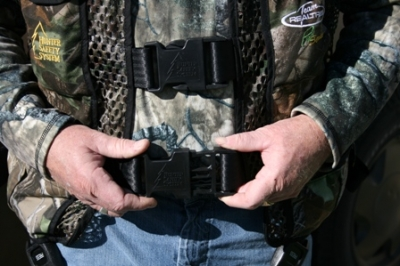 Hunter Safety System Tested And Reviewed Home Page Harness Chest Waist Snaps